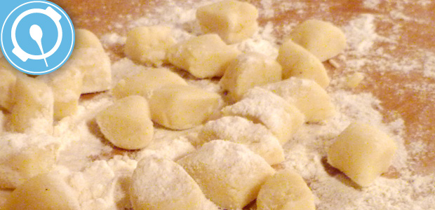 preparati-gnocchi-pangrattato-dolci-pizze